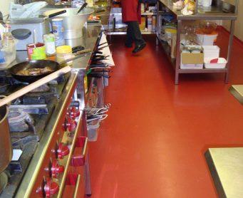 Keuken van Restaurant Mont Blanc epoxy vloer