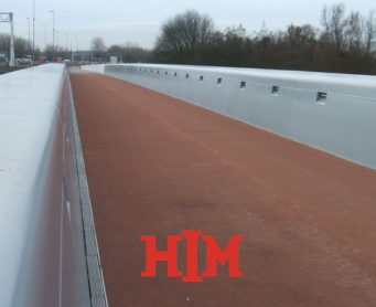 Add color to every bridge deck with a wearing course from HIM
